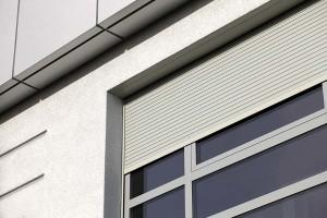 Roleta zewnętrzna aluminiowa osłonowa skrzynka podtynkowa